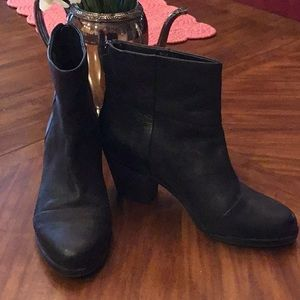 GRAY Saks 5th Avenue Ankle Leather Boots